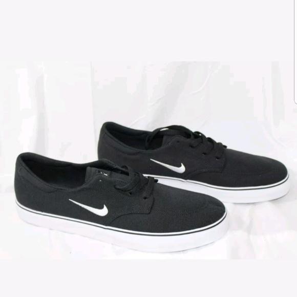 26d175a6c680 NIB Mens Nike SB clutch canvas skate shoes